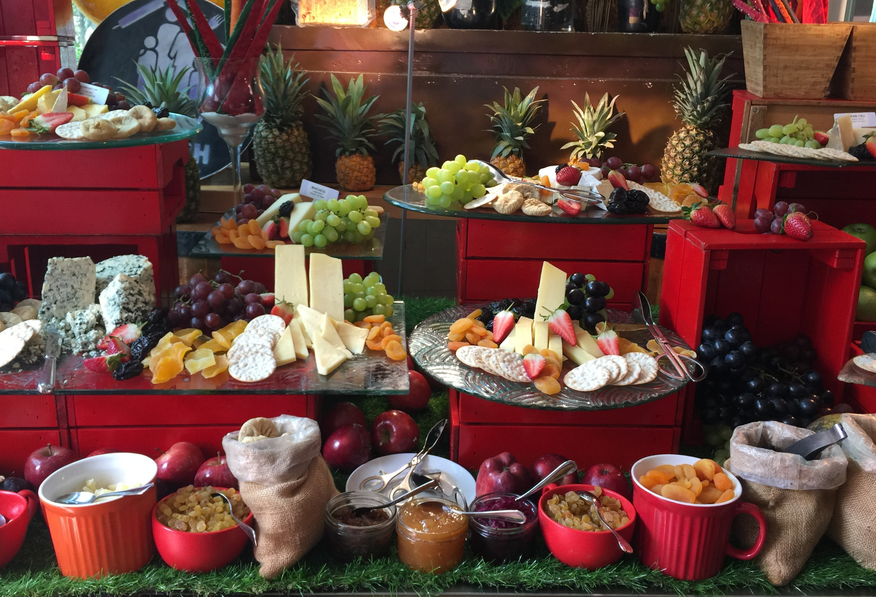 Brunch Buffet at Roda al Murooj Dubai